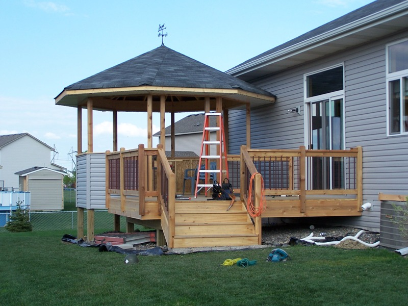 Vanderhoff construction for Deck with gazebo